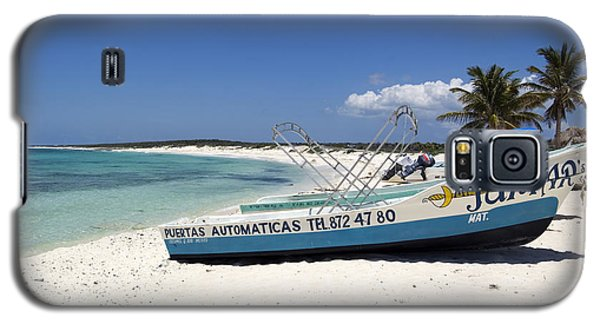 Galaxy S5 Case featuring the photograph Cozumel Mexico Fishing Boats On White Sand Beach by Shawn O'Brien
