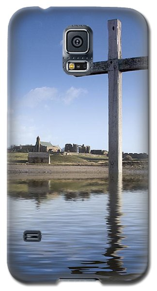 Galaxy S5 Case featuring the photograph Cross In Water, Bewick, England by John Short