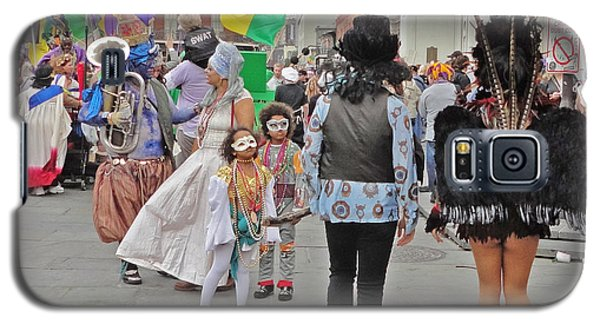 Curious Children On Mardi Gras In New Orleans Galaxy S5 Case