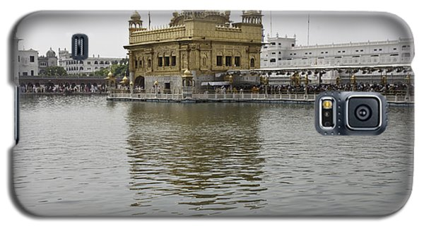 Darbar Sahib And Sarovar Inside The Golden Temple Galaxy S5 Case
