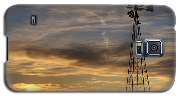 Galaxy S5 Case featuring the photograph Dark Sunset With Windmill by Art Whitton