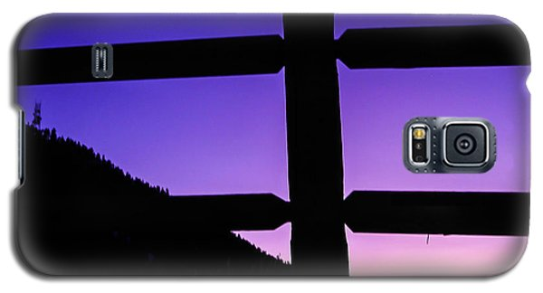 Galaxy S5 Case featuring the photograph Darkening Sky by Shannon Harrington