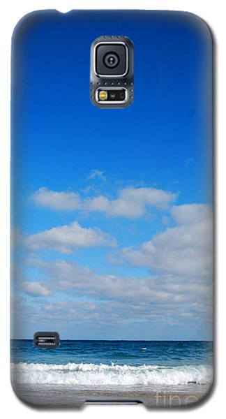 Galaxy S5 Case featuring the photograph Delray Sea And Sky by Linda Mesibov