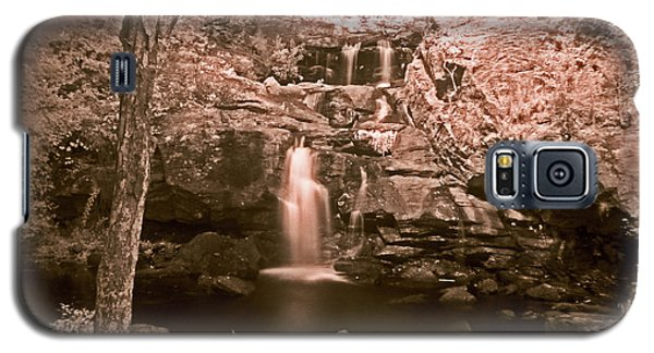 Galaxy S5 Case featuring the photograph Devil's Hopyard by William Fields