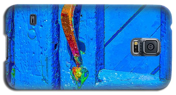 Galaxy S5 Case featuring the photograph Doorway To Santa Fe by Ken Stanback