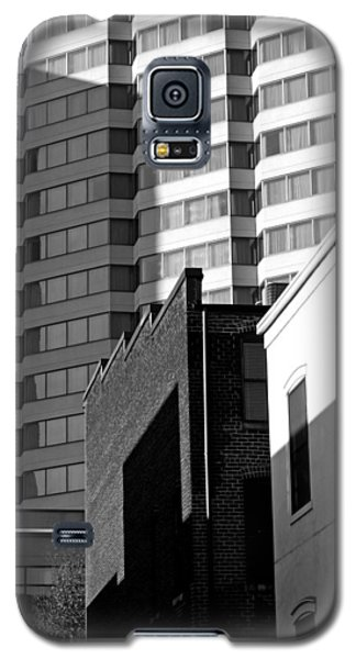 Galaxy S5 Case featuring the photograph Downtown Lines by Jean Haynes