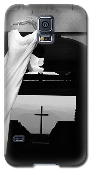 Dress And Cross Galaxy S5 Case