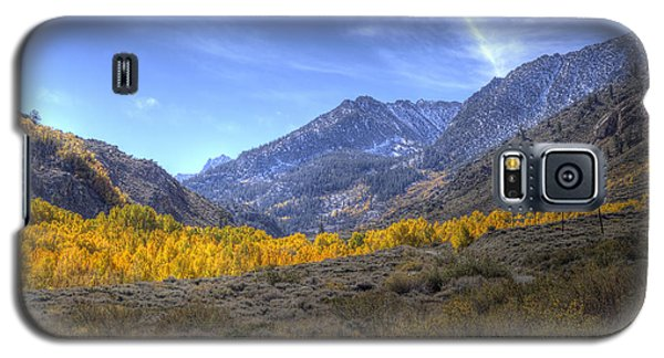 Galaxy S5 Case featuring the photograph Eastern Sierras In Fall by Michele Cornelius