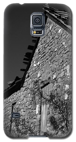 Galaxy S5 Case featuring the photograph Echoes Of Another Time by Vicki Pelham