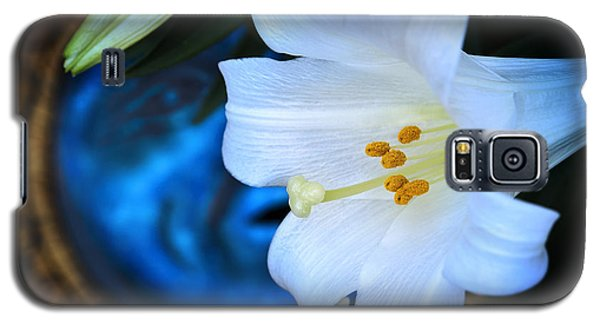 Galaxy S5 Case featuring the photograph Eclipse With A Lily by Steven Sparks