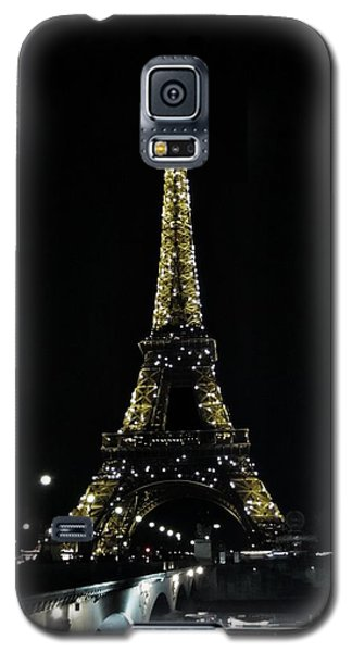 Galaxy S5 Case featuring the photograph Eiffel Tower - Paris by Marianna Mills