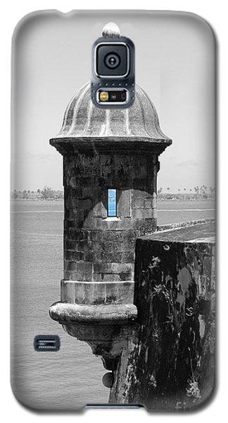 El Morro Sentry Tower Color Splash Black And White San Juan Puerto Rico Galaxy S5 Case by Shawn O'Brien