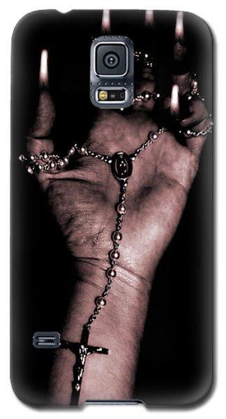 Galaxy S5 Case featuring the photograph Eternal Struggle by Lauren Radke