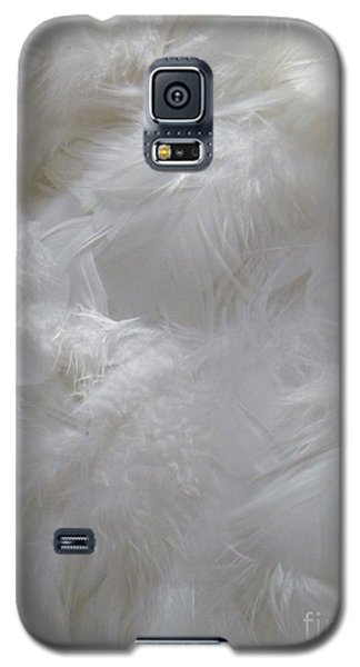 Galaxy S5 Case featuring the painting Evidence Of Angels by Newel Hunter
