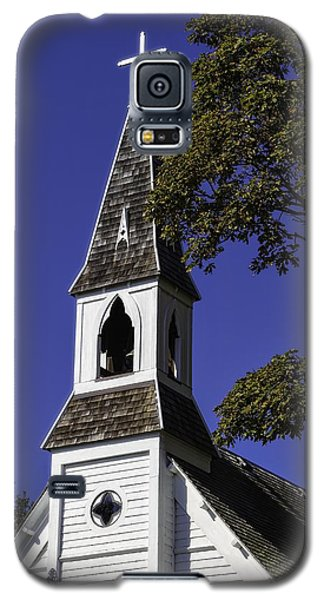 Galaxy S5 Case featuring the photograph Fall Chapel by Ken Stanback