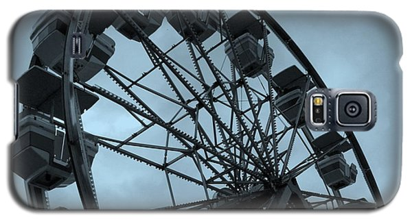 Galaxy S5 Case featuring the photograph Ferris Wheel Blue Sky by Ramona Johnston