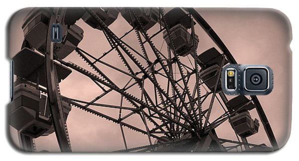 Galaxy S5 Case featuring the photograph Ferris Wheel Pink Sky by Ramona Johnston