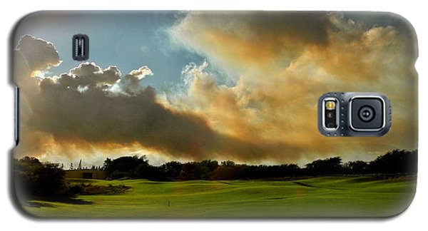 Fire Clouds Over A Golf Course Galaxy S5 Case by Kirsten Giving