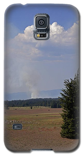 Galaxy S5 Case featuring the photograph Fire In The Cascades by Mick Anderson