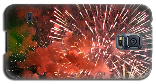 Galaxy S5 Case featuring the photograph Fireworks by Kelly Hazel