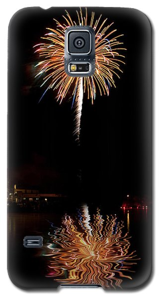 Galaxy S5 Case featuring the photograph Fireworks Over Lake by Cindy Haggerty