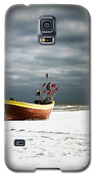 Galaxy S5 Case featuring the photograph Fishermen's Boat On Snowy Beach by Agnieszka Kubica