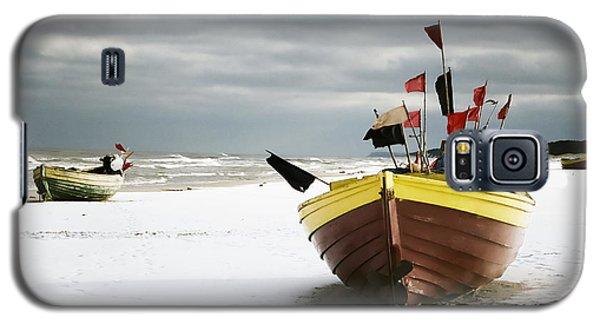 Fishing Boats At Snowy Beach Galaxy S5 Case by Agnieszka Kubica