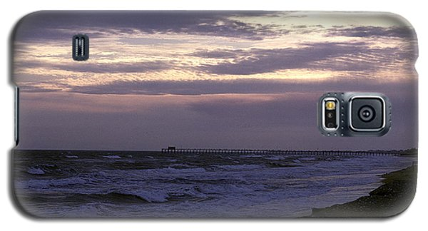 Galaxy S5 Case featuring the photograph Fishing Pier Before The Storm 14a by Gerry Gantt