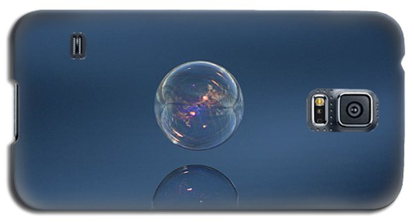 Galaxy S5 Case featuring the photograph Floating On The Breeze by Cathie Douglas