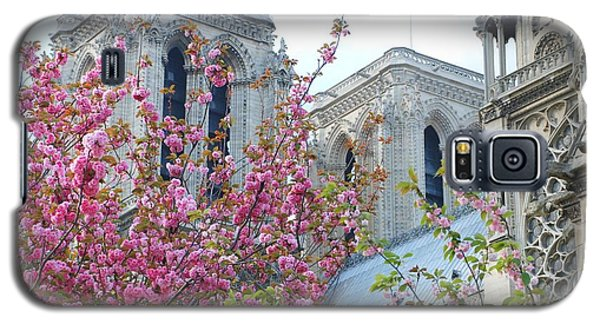 Galaxy S5 Case featuring the photograph Flowering Notre Dame by Jennifer Ancker