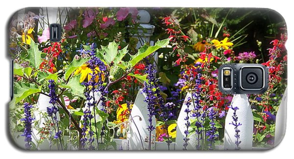 Galaxy S5 Case featuring the photograph Flowers Of New Hampshire by Robin Regan