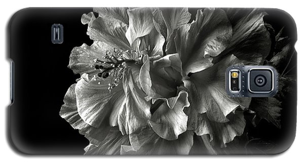 Fluffy Hibiscus In Black And White Galaxy S5 Case