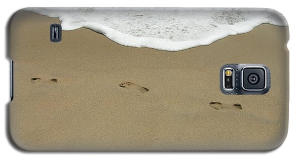 Galaxy S5 Case featuring the photograph Footprints by Arlene Carmel