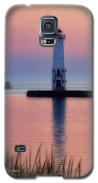 Galaxy S5 Case featuring the photograph Frankfort Lighthouse by Joan Bertucci