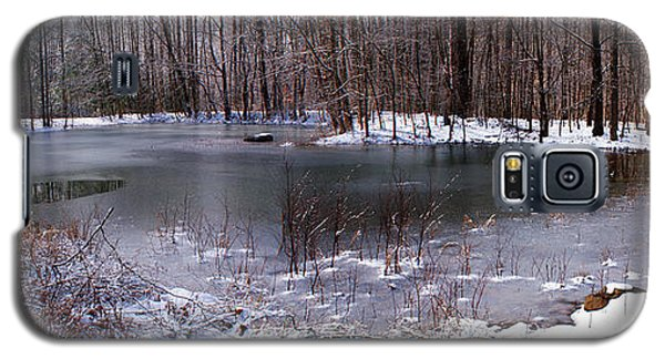 Galaxy S5 Case featuring the photograph Frozen Head Pond by Paul Mashburn