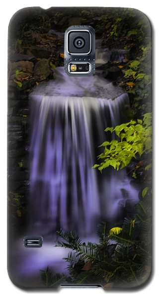 Galaxy S5 Case featuring the photograph Garden Falls by Lynne Jenkins