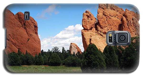Galaxy S5 Case featuring the photograph Garden Of The Gods by David Pantuso