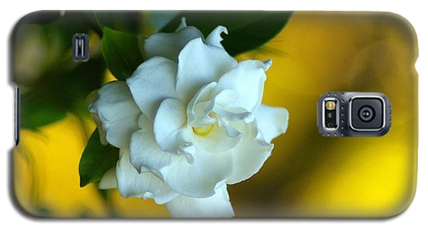 Galaxy S5 Case featuring the photograph Gardenia by Brian Wright