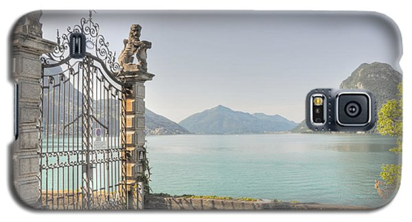 Gate On The Lake Front Galaxy S5 Case