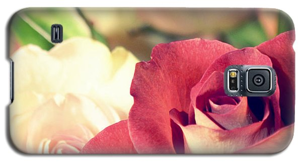 Galaxy S5 Case featuring the photograph Gather Beauty by Robin Dickinson