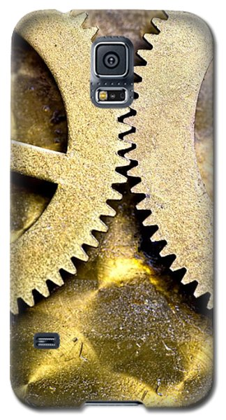 Galaxy S5 Case featuring the photograph Gears From Inside A Wind-up Clock by John Short