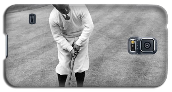 Galaxy S5 Case featuring the photograph Gene Sarazen Playing Golf by International  Images