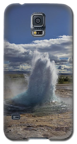 Galaxy S5 Case featuring the photograph Geysir 2 by David Gleeson