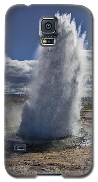 Galaxy S5 Case featuring the photograph Geysir 3 by David Gleeson