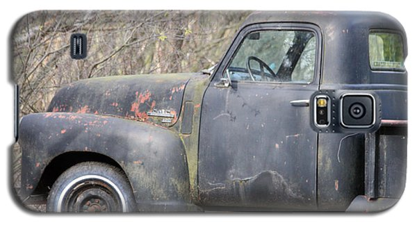 Galaxy S5 Case featuring the photograph Gmc Rusting At Rest by Mark J Seefeldt