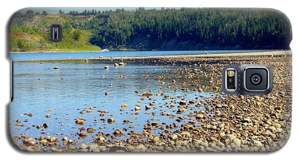 Galaxy S5 Case featuring the photograph Gravel Bar On The North Saskatchewan River by Jim Sauchyn