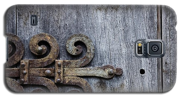 Galaxy S5 Case featuring the photograph Gray Wooden Doors With Ornamental Hinge by Agnieszka Kubica