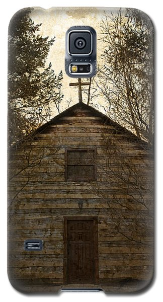 Grungy Hand Hewn Log Chapel Galaxy S5 Case by John Stephens