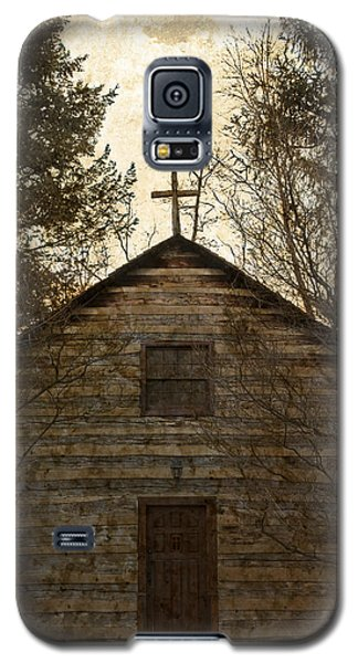 Grungy Hand Hewn Log Chapel Galaxy S5 Case