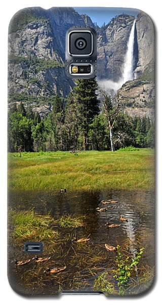 Galaxy S5 Case featuring the photograph Happy Campers by Lynn Bauer